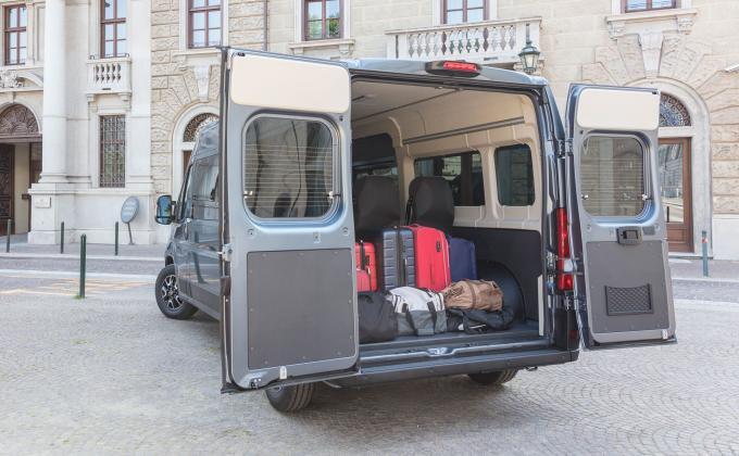 Fiat Ducato 9-Sitzer mieten
